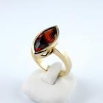 Arany gyűrű gránáttal (Au1561GT)