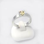 Fehér arany gyűrű zafírral (Au1712GT)