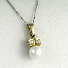 Arany medál Akoya gyönggyel (Au1742GT)