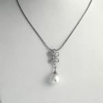 Golay fehér arany gyémánt nyakék gyönggyel (Au2300GT)