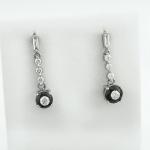 Fülbevaló fekete és fehér gyémántokkal (Au750GT)